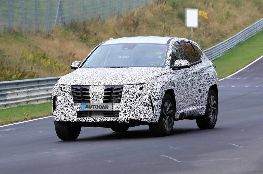 The next-gen @Hyundai_UK Tucson wont have a lot in common with the current model, according to these spy shots of a prototype undergoing testing buff.ly/35Glnh5