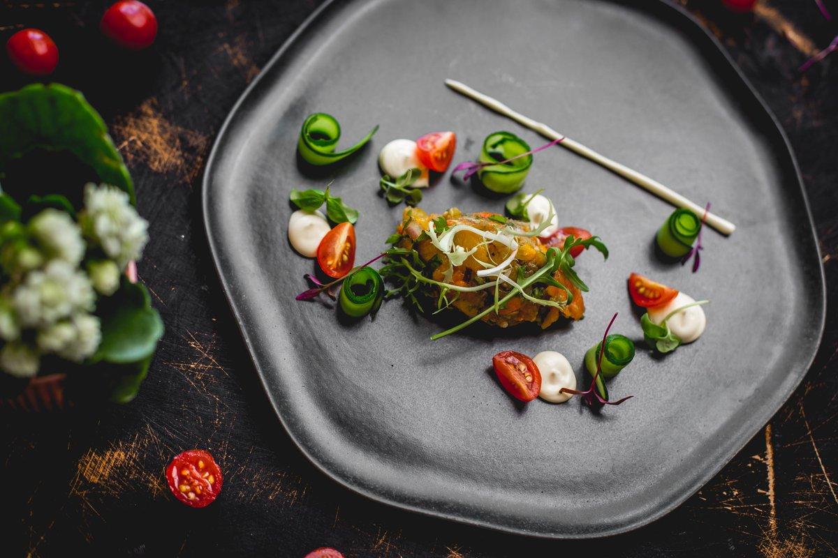 Food and art in one plate. You can enjoy both at Le Bistro  #fairmontbaku #fairmontmoments #flametowers #baku #azerbaijan #accorhotels #luxuryhotels #besthotels #luxurytraveller #luxurytravellers #LeBistro #luxuryrestaraunt #lunch https://t.co/RieKHYFFgw