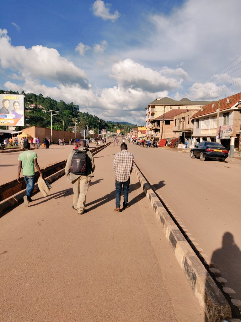 Kabale town has improved. They have streets lights on a number of roads.. This is nice. https://t.co/vaSXt7aTZ9