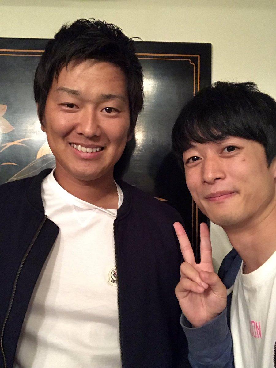昨夜久しぶりに飯田さんと飲みに行きました。1年目から知り合えてずっと応援していたとにかくとにかく優しい投手でした(反抗期がなく親から逆に心配されるぐらい)。じゃけ