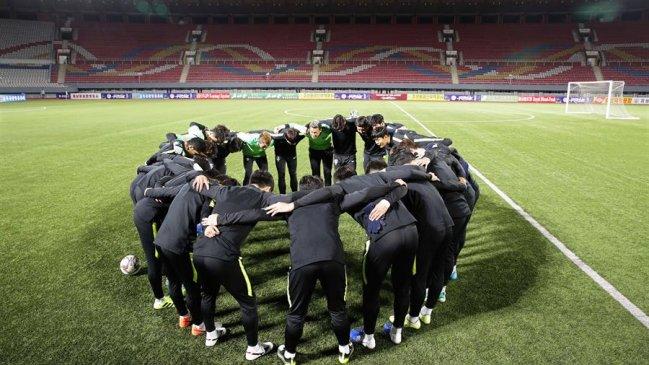 Imagen de la previa del partido entre las dos Coreas.