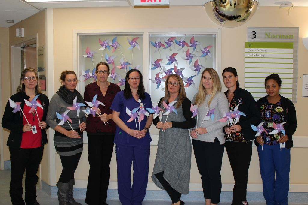 Today is Pregnancy and Infant Loss Awareness Day, we acknowledge and remember these losses, as well as the unique grief bereaved parents experience. Help us blow wishes of hope across Sarnia-Lambton as we acknowledge the 1 in 4 pregnancies that end in loss each year. #BWH <br>http://pic.twitter.com/eD92IdJyXM