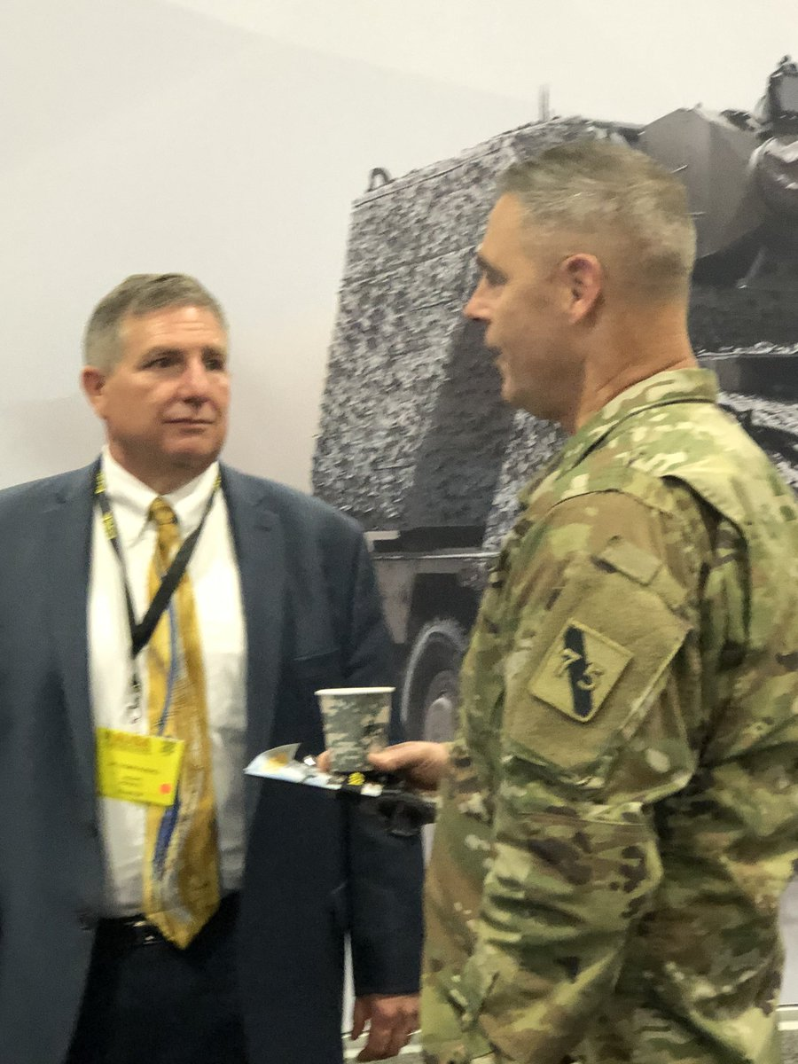 """Spotted at #AUSA2019 Dr. Thomas Russell speaking with a #Soldier - AKA """"operationalizing"""" @USArmy #Modernization at the Innovators Corner! #ScienceSavesLives #FutureFocused  <br>http://pic.twitter.com/FhD79KMmzB"""