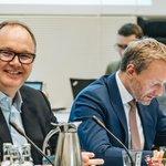 Image for the Tweet beginning: Guter Austausch eben mit Harald