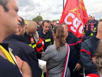 Pompiers en colère à Paris : tensions avec la police, au moins 6 interpellations EG7V9MGWsAAJ4-h?format=jpg&name=360x360