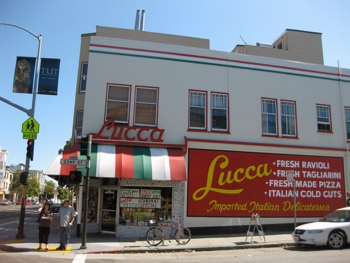 Lucca Ravioli reportedly made millions by closing for good http://dlvr.it/RGF65H