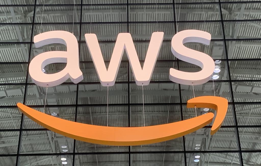 Amazon migrates more than 100 consumer services from Oracle to AWS databases by @ron_miller
