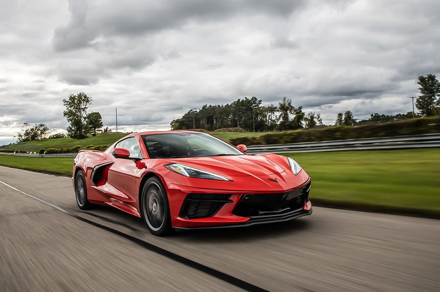 With a mid-mounted V8 pumping out 495bhp and good for a sub-three second 0-60mph time, the new @chevrolet Corvette Stingray is a bona fide Ferrari rival for a fraction of the price. We see if its destined for global success: buff.ly/2pmVz8P