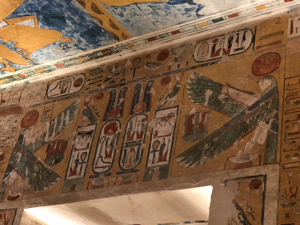王家の墓も素晴らしいですよ!おすすめはラムセス5世のお墓とツタンカーメンのお墓。
