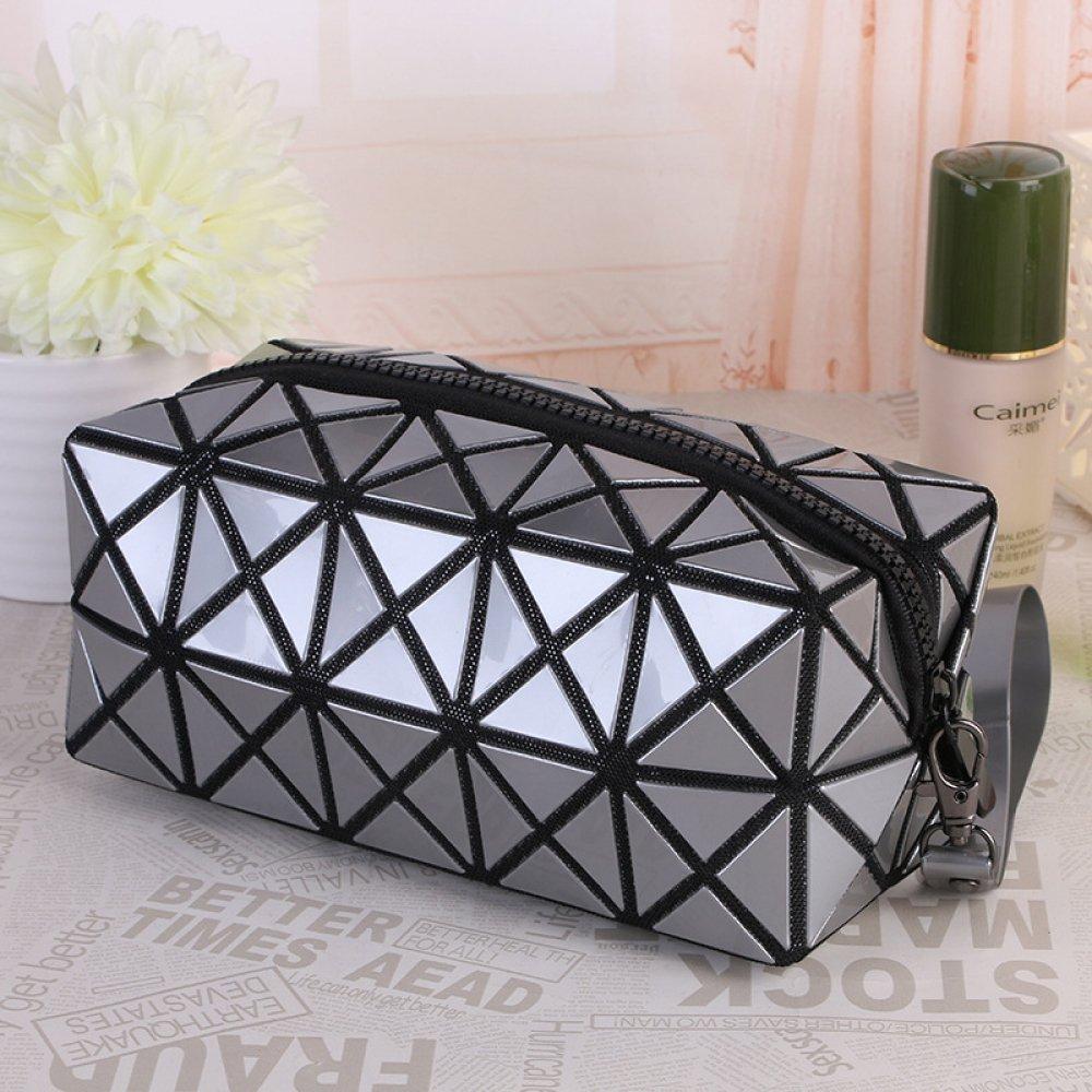 #trendalert #envywear Trendy Geometric Cosmetic Bag
