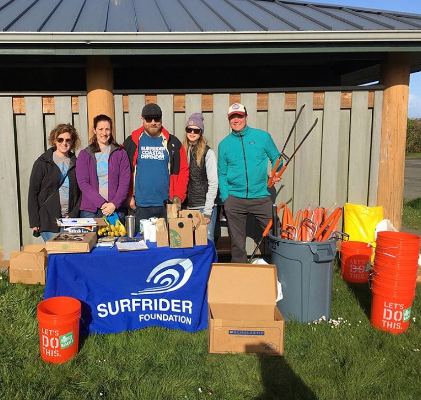 #PartnerSpotlight: We love working with the various WA chapters of @surfrider. They help with running registration stations for our beach cleanups, collecting robust debris data, and hosting community BBQs for our volunteers.  #DYK Surfrider has five different Chapters in WA?<br>http://pic.twitter.com/dmv6ZfEnr0
