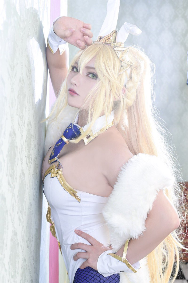 Cosplay  Artoria Ruler  Royal bunny  Photo by @cbscm584<br>http://pic.twitter.com/aXgMcsYLgk