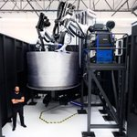 Image for the Tweet beginning: Massive, AI-Powered Robots Are 3D-Printing