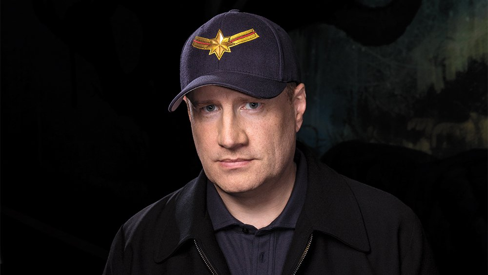 Breaking: @marvel's #KevinFeige will now be Chief Creative Officer over Movies TV *and* Comics:  https:// comicbook.com/marvel/2019/10 /15/kevin-feige-marvel-chief-creative-officer/  … <br>http://pic.twitter.com/j2jiR8uKWP