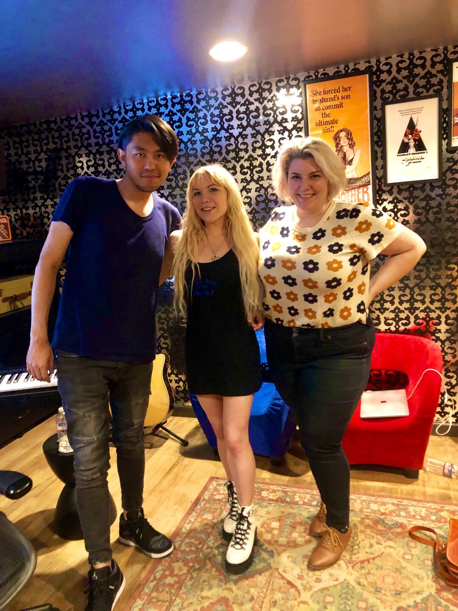 Writing some dope songs in the studio with these amazing people  #teamworkmakesthedreamwork #studiolife <br>http://pic.twitter.com/v2koX4NL9w