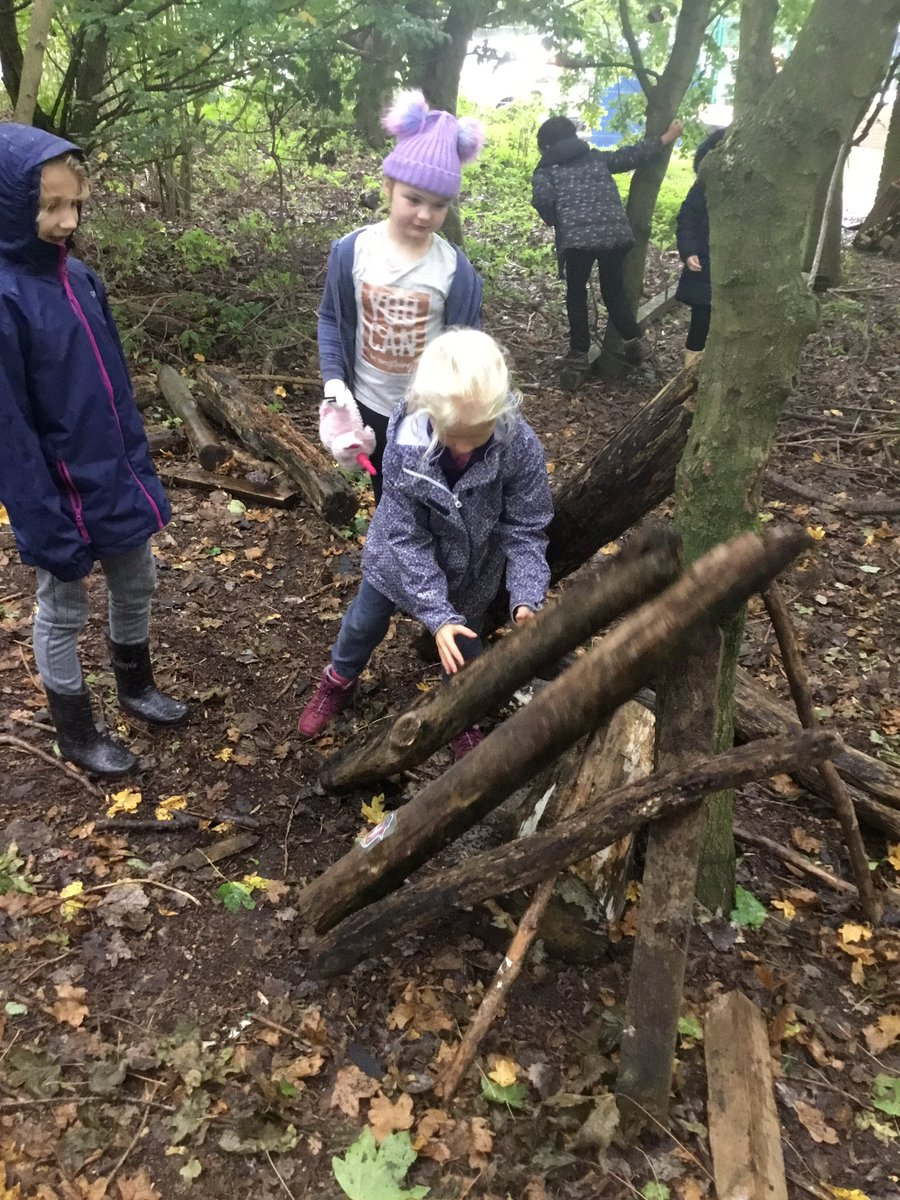 Developing our team working skills in forest schools on Friday, by collecting lots of natural objects and creating a story using them. #teamworkmakesthedreamwork <br>http://pic.twitter.com/T4KM5lmVrf