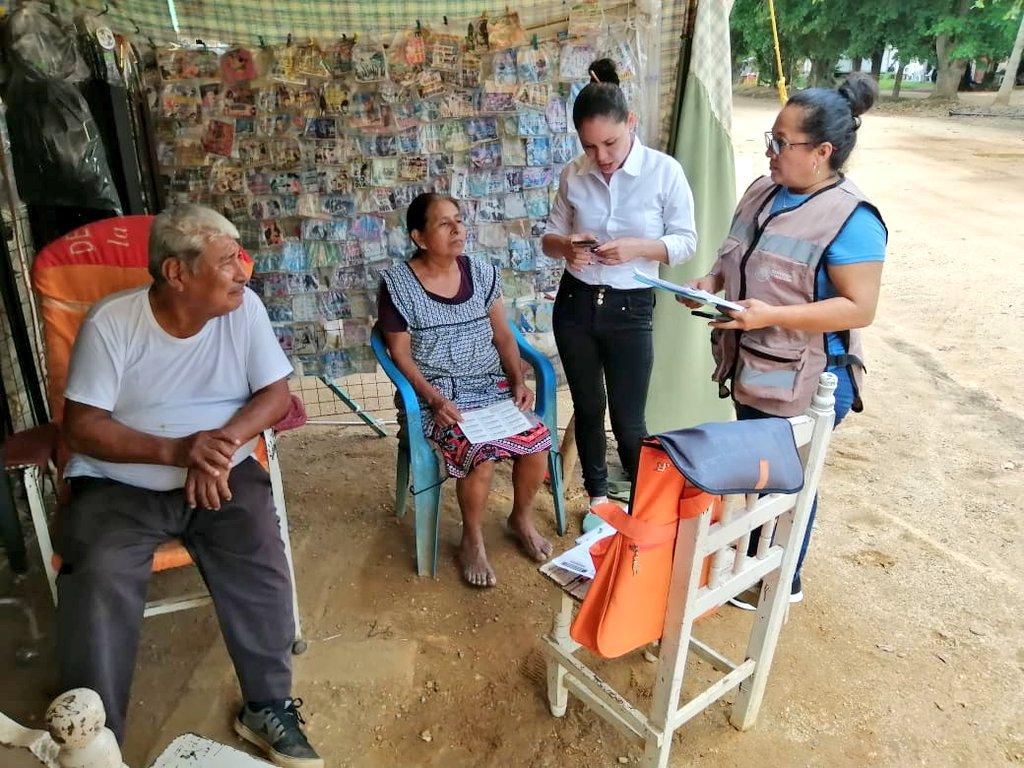 Con el objetivo de llegar a quienes más lo necesitan, en #Veracruz estamos realizando encuestas de evaluación para revisar los casos de familias que requieren la Beca de #EducaciónBásica 👧👦  Seguimos trabajando para que las y los estudiantes permanezcan en las aulas.