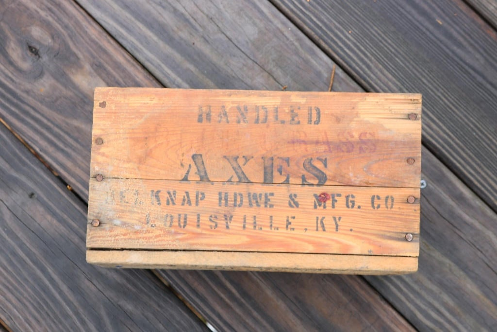 Excited to share the latest addition to my #etsy shop: Vintage Belknap Blue Grass Axe box https://etsy.me/2VRgKfy  #vintage #collectibles #birthday #fathersday #axe #vintageaxe #belknapbluegrass #belknaphardware #kentuckypic.twitter.com/xRs0RA1UV5