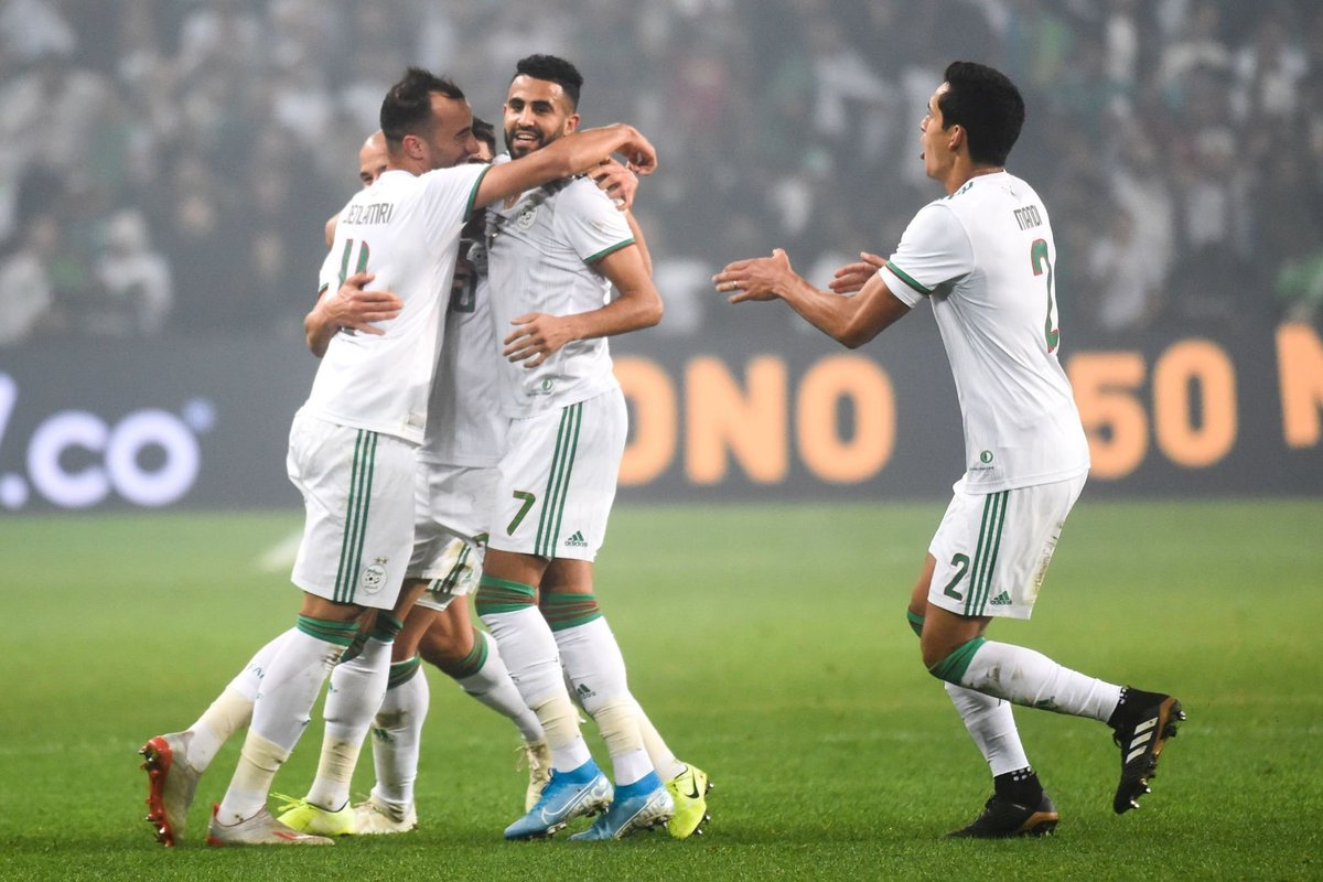 Riyad Mahrez vs Colombia    2 goals   1 assist   .. and 1 one of the greatest controls you will ever see   He deserves the African Ballon d'Or just for that control (forget the fact that he led Algeria to #AFCON2019 title). <br>http://pic.twitter.com/dE7ZcYcwtZ
