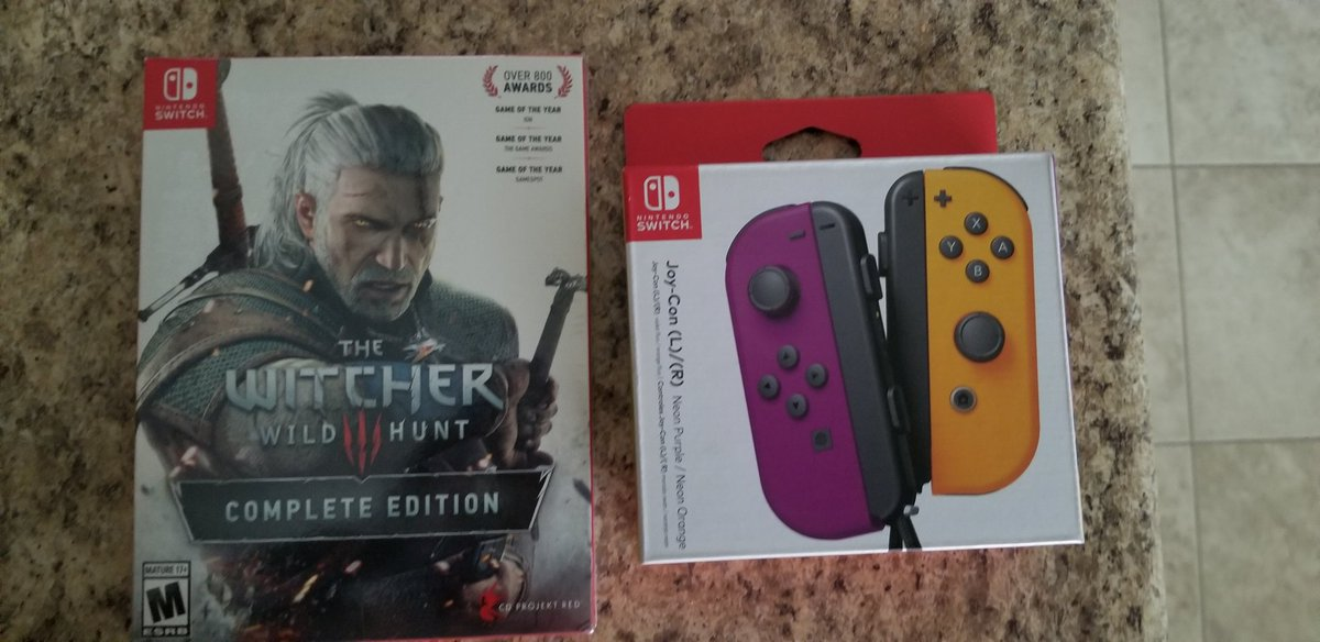 Ya tengo #Witcher3 #Switcher #NintendoSwitch y unos #joycons nuevos. #JOYCONBOYZ #JOYCONBOYZFOREVER I got my #Witcher3 #Switcher #NintendoSwitch And some new #joycons. #JOYCONBOYZ #JOYCONBOYZFOREVER
