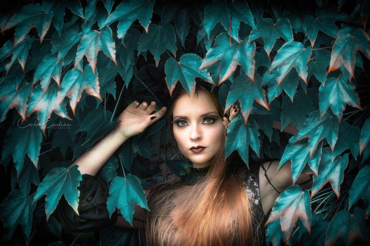 #Model: #DianaRosa #Photography: #CarlosErvideira Production: #AnaLuar MUA: #AndreiaCarvalhais  #modeling #fineart #portrait #amazingportrait #beauty #beautiful #beautifulwoman #elegance #diva #classicbeauty #goddess #naturalhair #redhead #ginger #gingergirl #powerful #glamorous