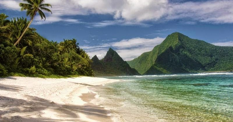 Trails to see American Samoa NP's wonders #americansamoa #adventureoften #letsgo http://hikeswithtykes.blogspot.com/2014/08/best-trails-to-see-american-samoa-nps.html …