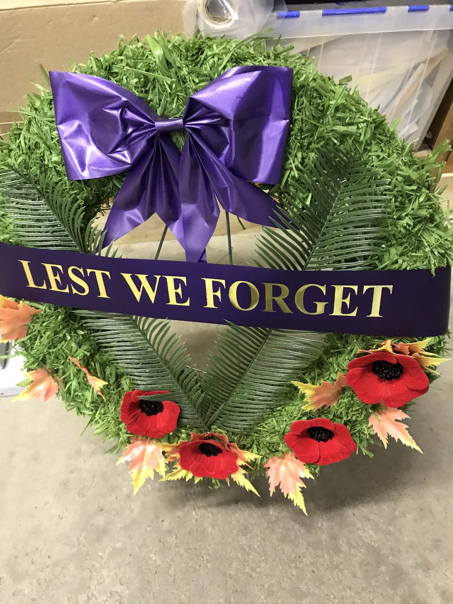 """Honoured to attend the Royal Canadian Legion Waterloo Branch 530 event """"Why We Remember"""" hosting hundreds of school children today! @RoyalCdnLegion #LestWeForget #portraitsofHonour #WeWillRememberThem #DaveSopha <br>http://pic.twitter.com/CIeivRHkH0"""