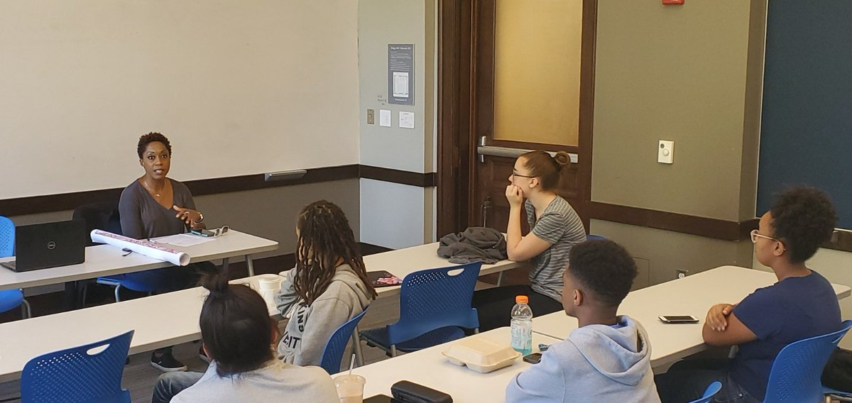 """Thank you @JohnsHopkins Intro to Hopkins: Arrive and Thrive Class. This young but #woke group of freshmen already know what """"Being of Baltimore"""" means and what it takes: #community. Live it. Breathe it. Explore it! ❤ #MDGA19 #Working4MD #freshmen #citylife #WeAreBaltimore"""