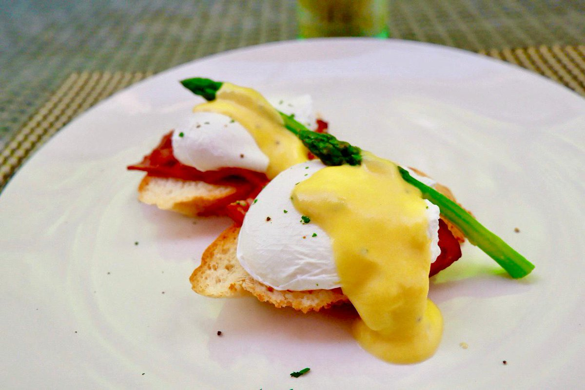 Up for breakfast anyone?  Try our Eggs Benedict made by our professional chef! . . . #bhotelbaliandspa #bhotel #bali #kutahotels #vacation #food #eggbenedict #freshfood #delicious #balifoodies #balifoodguide #foodbalipic.twitter.com/VvP7wJuBDi