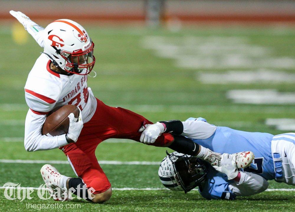 In class 4A football, No. 2 Cedar Falls def. Cedar Rapids Jefferson, 28-0. PHOTOS: thegazette.com/subject/sports… @CRGazetteSports @jeje66 #iahsfb