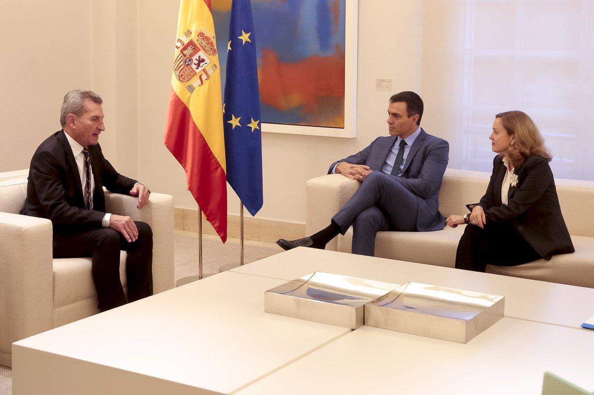 El futuro marco financiero de la #UE ha sido el tema central del encuentro con @GOettingerEU. #España apuesta por unos presupuestos ambiciosos, que salvaguarden las políticas tradicionales de la Unión y atiendan a la emergencia climática, la digitalización y el reto migratorio.