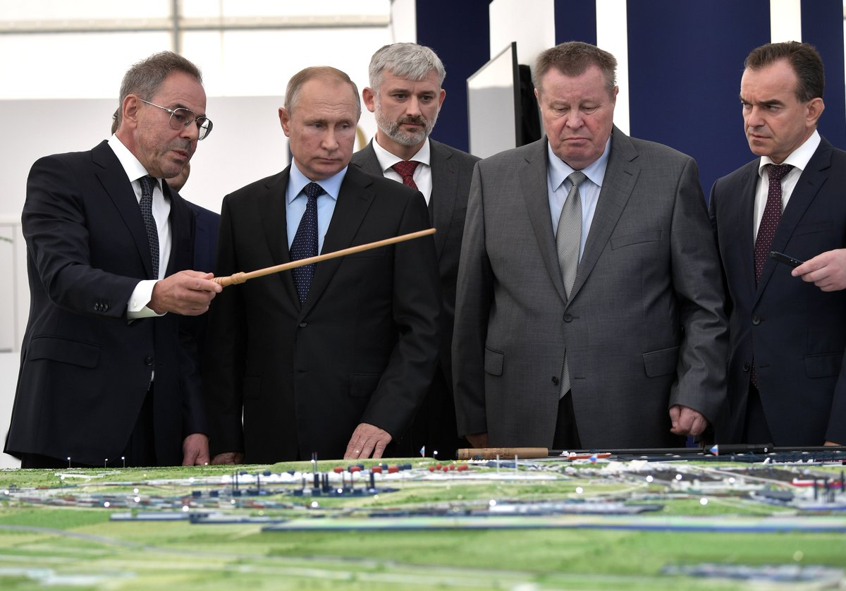 Vladimir Putin visited the industrial park and cargo terminal of the OTEKO Group in Anapa bit.ly/334BqD3