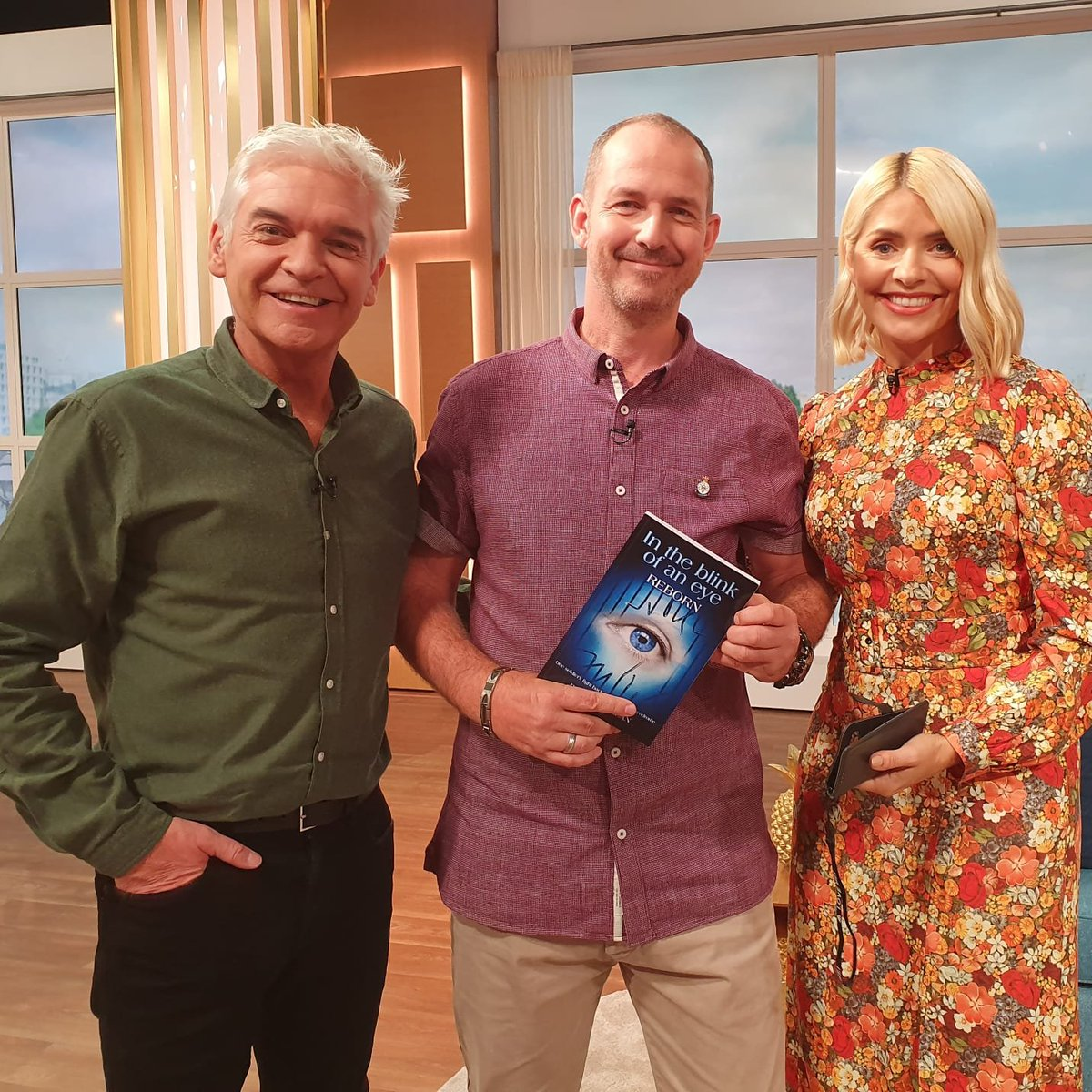 Me, with Phillip Schofield and Holly Willoughby at ITV studios recently where I was interviewed on #ThisMorning Thanks for your hospitality, guys! youtube.com/watch?v=I6QXSL…