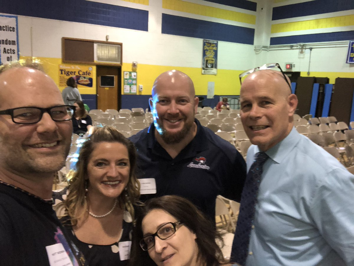 It was a #SelfieWar! Ha Just met this awesome #HistoryTeacher at #Rewire19 who @JayBilly2 and @BethHouf introduced to the Twitter world of edu. Welcome, Chris Morris. I look forward to learning about #muleRacing ! #onsource  @SJSaragusa @Tara_Desiderio