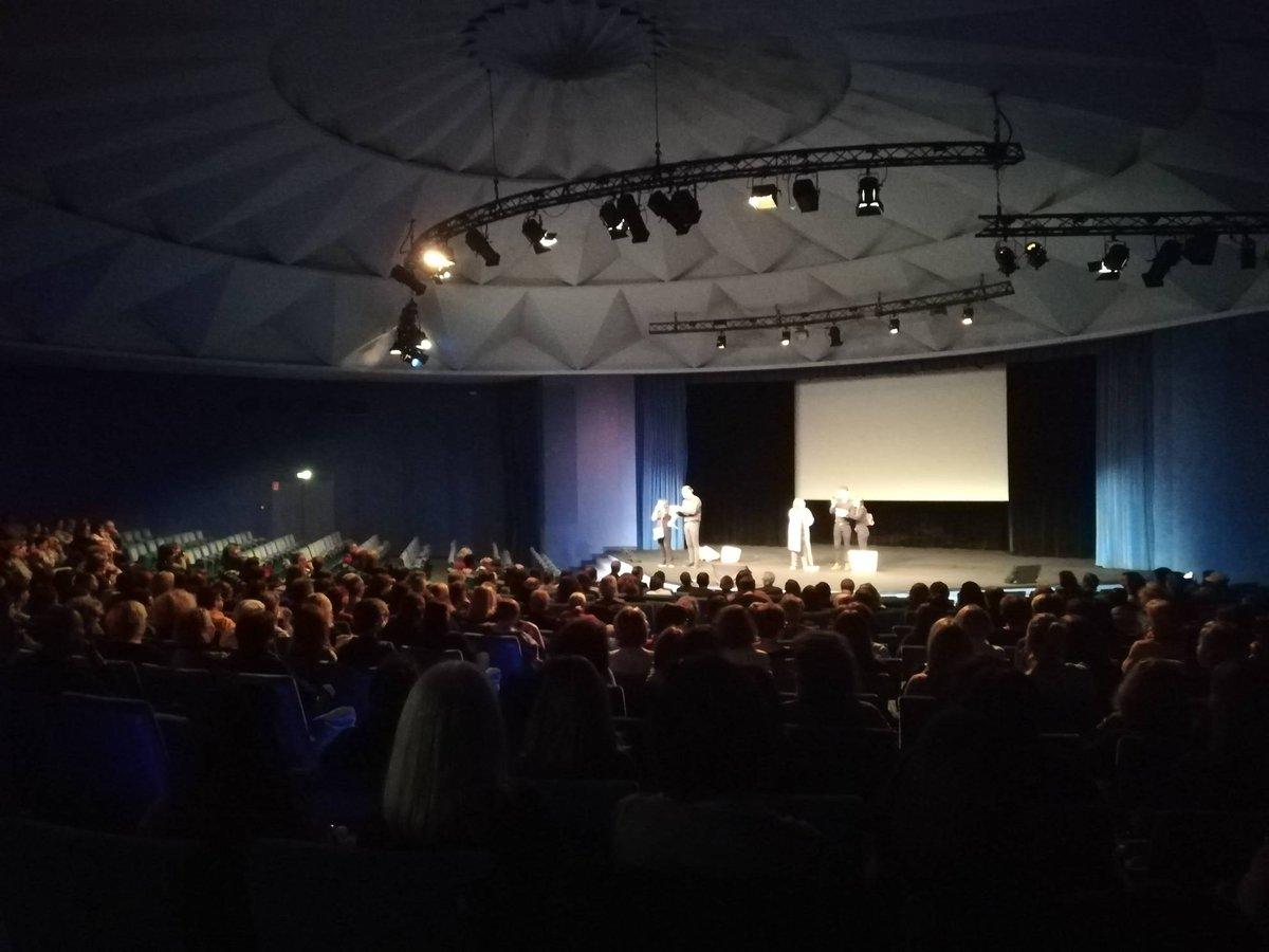 Actuellement au Centre de congrès de Caen se déroule l'assemblée générale du personnel de la Caisse d'allocations Familiales. #centredecongres #caen #asembleegenerale https://t.co/BxThCGczpB