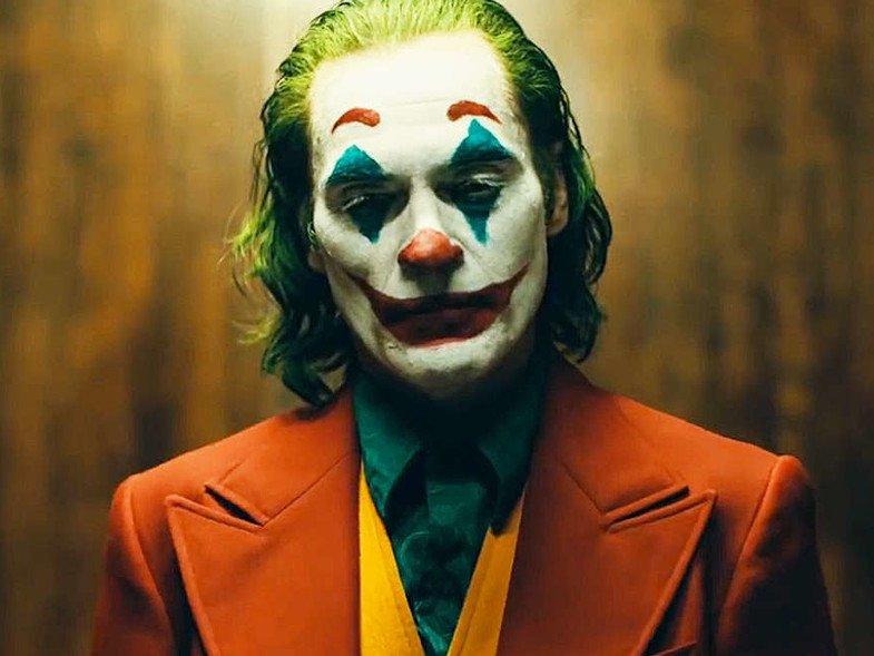 No te pierdas la columna de #cine con #NarigónRecomienda.   ¡Hoy hablamos de #Joker!   91.1 http://radiozero.fmpic.twitter.com/sqwwzcVRqi