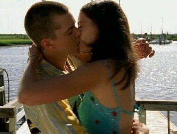 Just kiss me #PaceyandJoey #JoeyandPacey #DawsonsCreek #NathanandHaley #HaleyandNathan #OneTreeHill  #ChuckandBlair #BlairandChuck #GossipGirl  #WadeandZoe #ZoeandWade #HartofDixiepic.twitter.com/RHZlDZGK8u