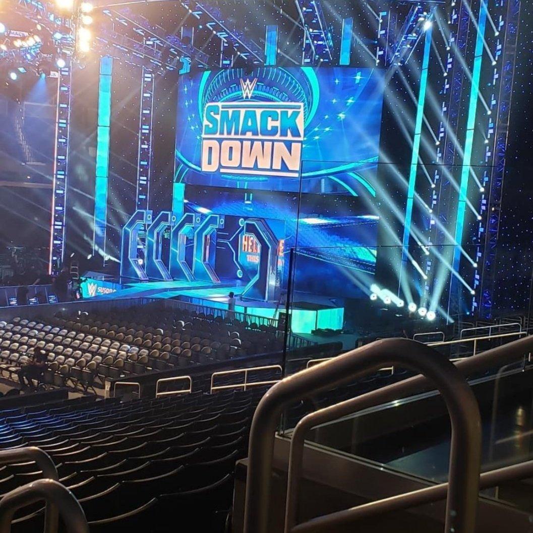 Scene SmackDown premiere FOX