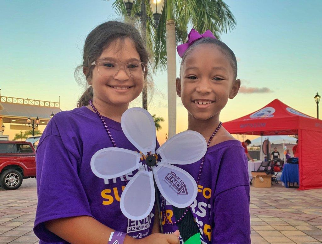 We are all smiles on #WorldSmileDay as we enter another #Walk2EndAlz weekend! Thank you to all our Walk participants who are making a difference in the fight to #ENDALZ.