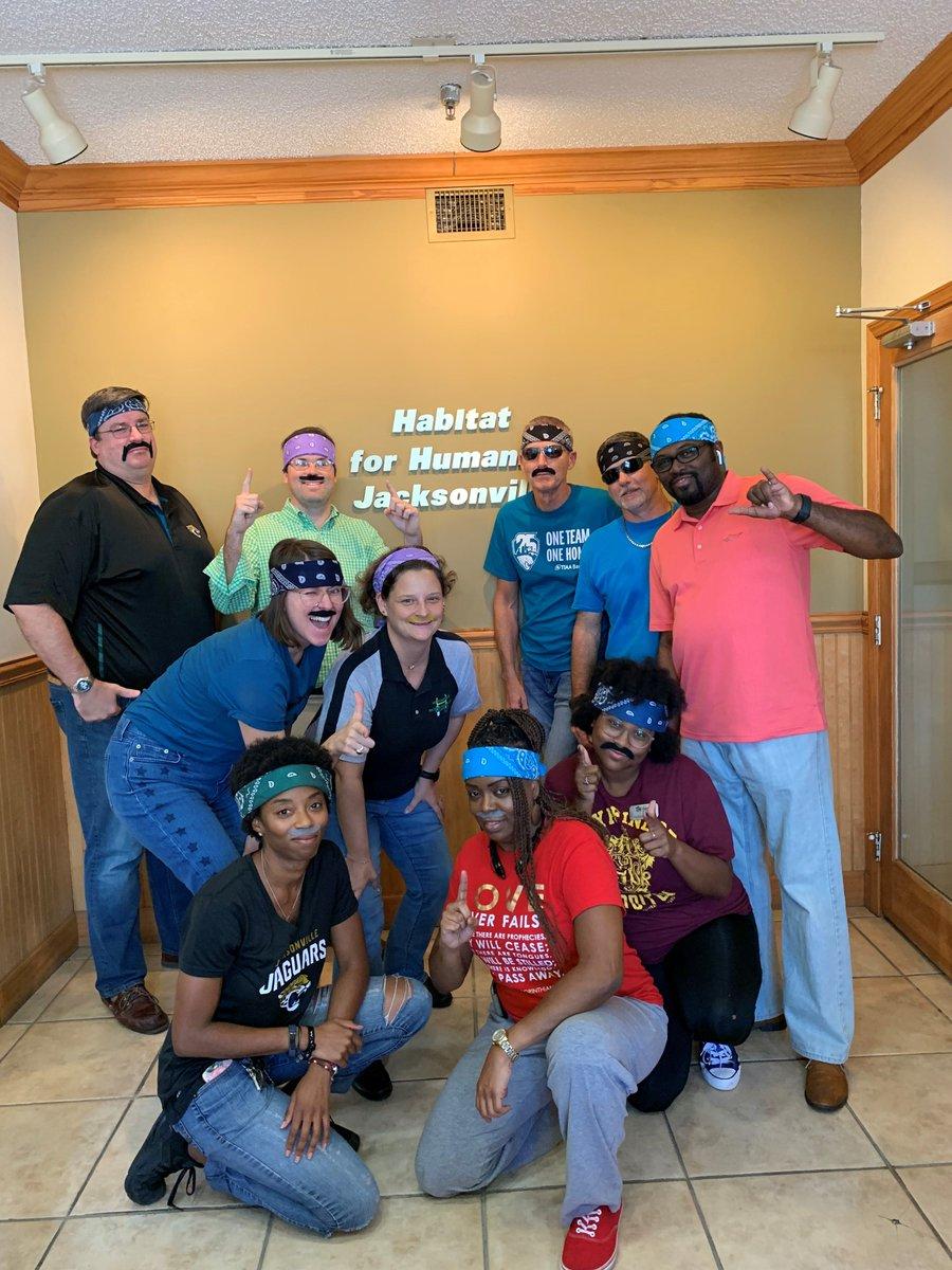 The staff and volunteers at #HabitatforHumanityofJacksonville have #MinshewMania!! @GardnerMinshew5 call us, we hear you need help with your hammering skills... @Jaguars @nfl @TIAABankField @TDickman89 #oneteamonehome #HabiJax