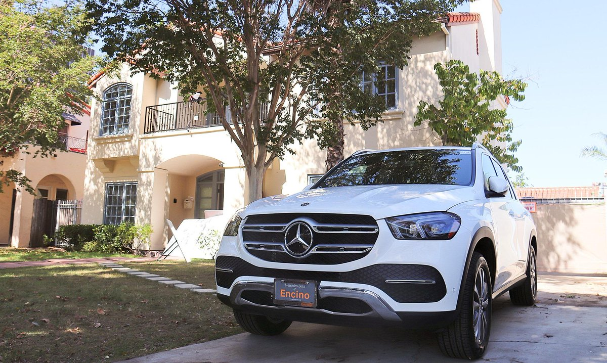 Leaves are falling. Autumn is calling 2020 GLE 4Matic  #gle4matic #2020gle #gle #mbofencino #2020mercedes #mercedeslovers #mercedesclassic #mercedesbenz #mercedesamg #mercedesbenzworld #mercedesbenzmuseum #fallweather #mercedesfans #mercedeslovers #mercedesclassic #mercedesbenz https://t.co/hyrnc8yjvk