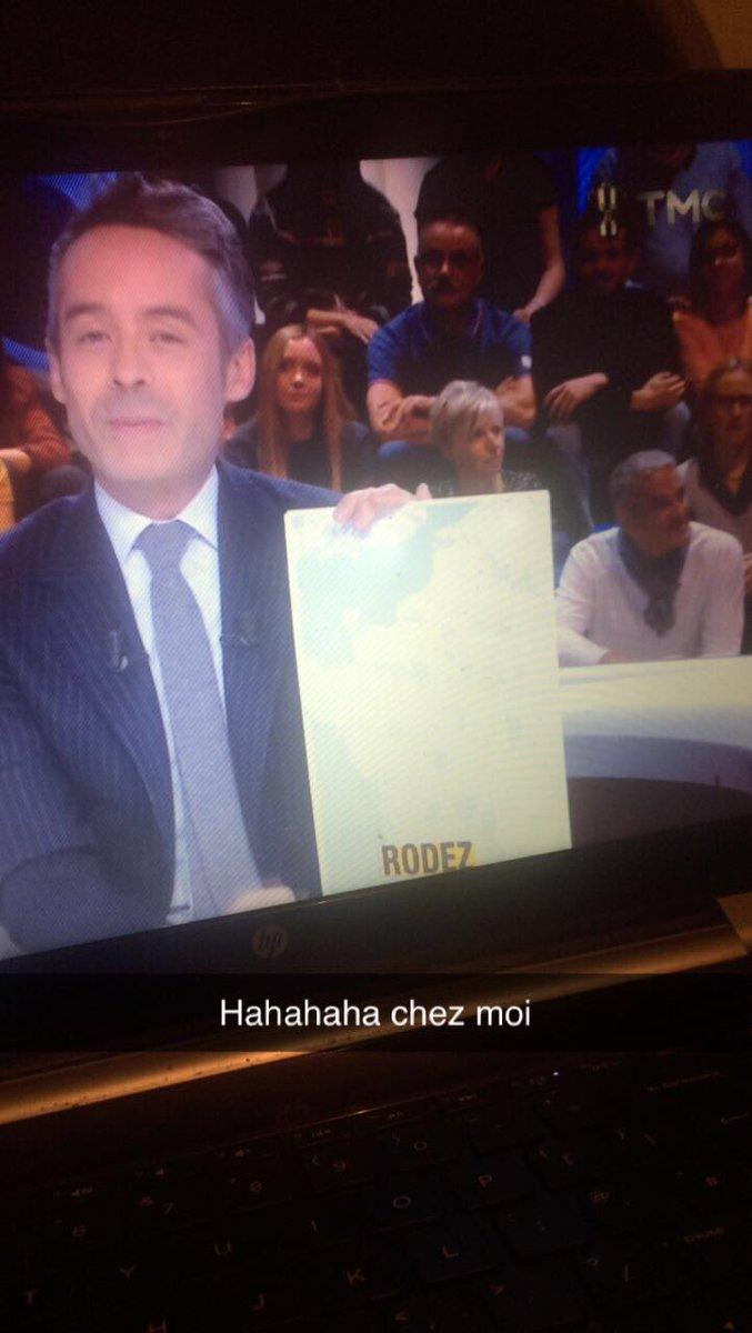 So Macron finally came to Rodez to start 'le debat a la réforme des retraites'. Highlights included him saying that reforms would help sick leave and burnout . At least we made it onto tv!  #Macron #rodez #ReformeRetraites #lequotidien<br>http://pic.twitter.com/dgrvVBLlzv
