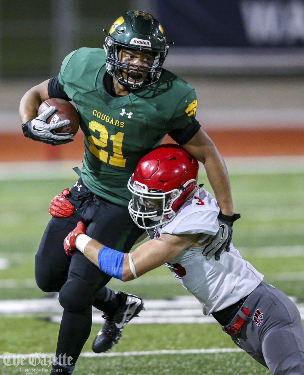 .@CRKFootball defeats Cedar Rapids Washington, 42-14, at Kingston Stadium. More photos: thegazette.com/subject/sports… #iahsfb @CRGazetteSports
