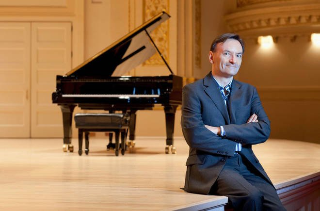 Auction for @YamahaUK digital grand piano & private lesson with @houghhough to raise funds for @makenoise charity providing #therapy & #counselling for young people & children bit.ly/30OQoM3