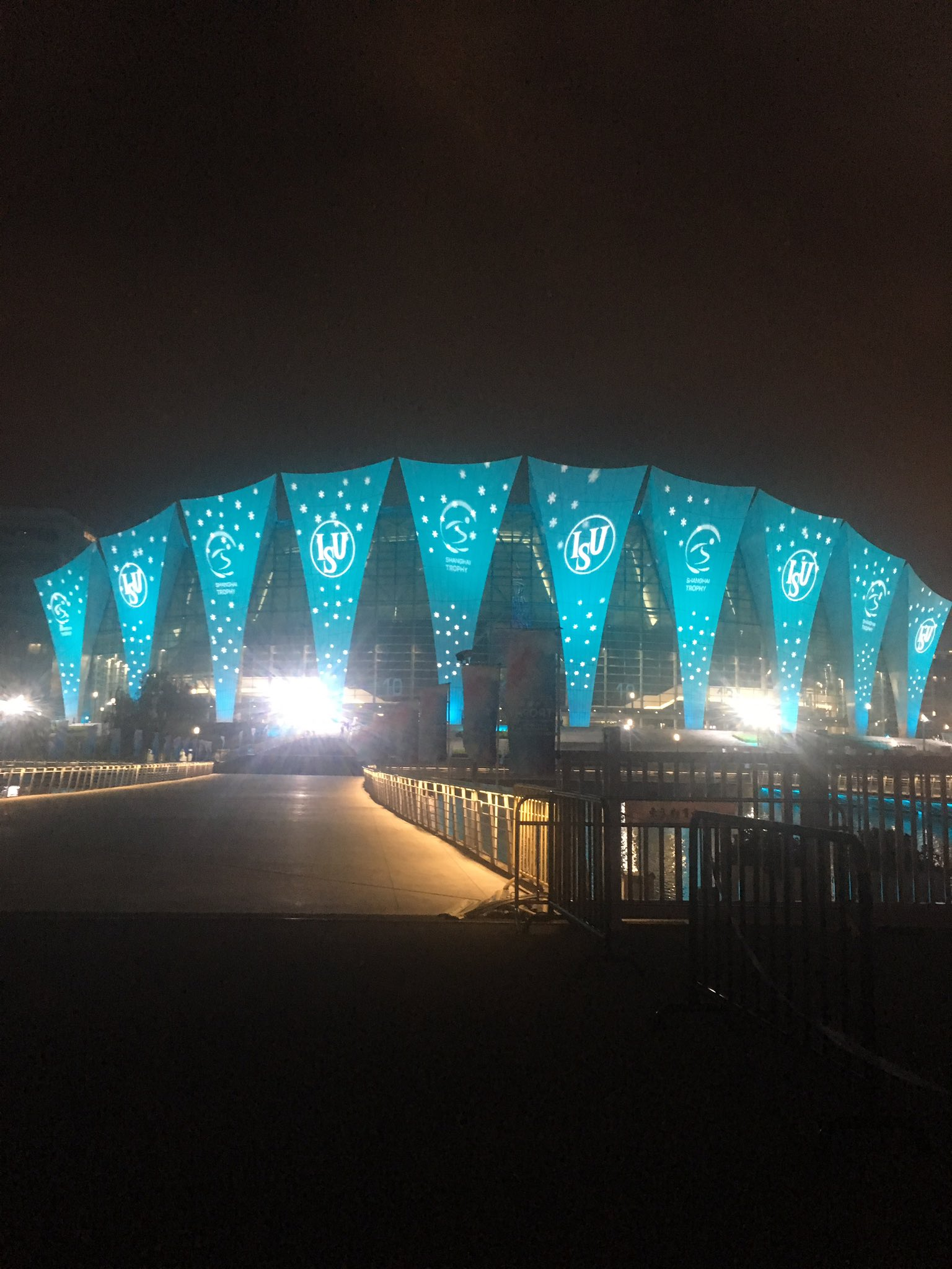 Shanghai Trophy (Invitational). 3-5 октября 2019. Шанхай (Китай) - Страница 7 EGHDoNrUEAAb-lz?format=jpg&name=4096x4096