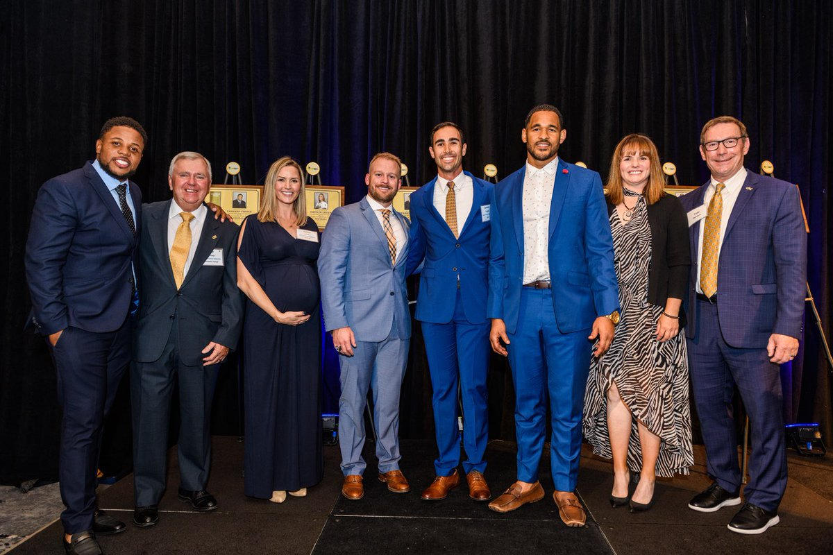 It was an honor & a privilege to be a part of the inductions of @coachchoice, Jay Shoop, @CaitlinLever, @DPayne3131, @CamTringale, @dmorg91 & @CoachSilverio to the @GTAthletics Hall of Fame last night. One of the best nights of the year! #TogetherWeSwarm buzz.gt/gthof-7-100419
