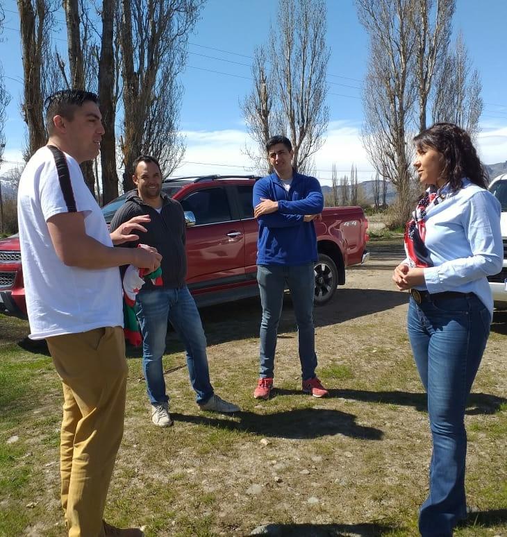 #Ahora, colaboramos con el equipo Unión del Valle B, de #Trevelin quienes participan en la Liga Independiente de fútbol. 💪⚽ https://t.co/sJpsormoYW