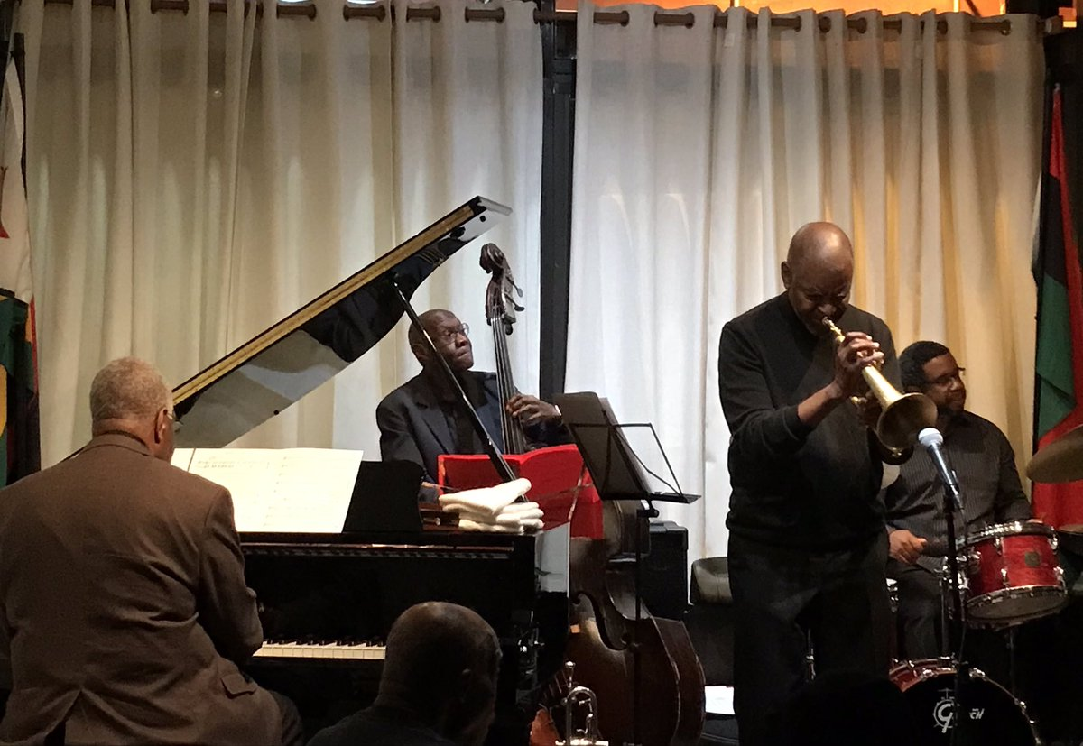2 NYC #sonnyfortune tributes in last week make his year ago passing seem more recent &remind us the force he was. Trumpeter/friend Kamau Adilifu (née Charles Sullivan) invites 2/3 of Fortune's final rhythm section (Michael Cochrane-p, Calvin Hill-b +Darrell Green-dr) @SistasPlacepic.twitter.com/1knnRfT3de – at Sistas' Place