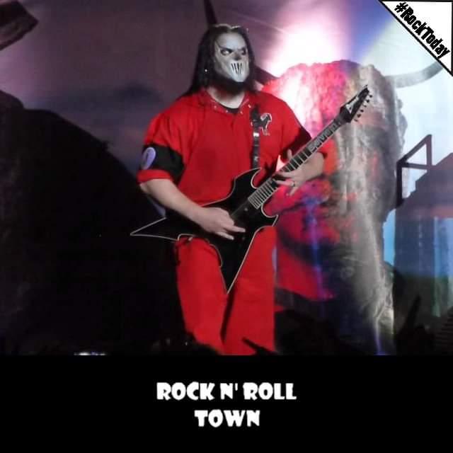 #RockToday   06/10/1971  Γεννιέται ο Donnie Steele, κιθαρίστας και ιδρυτικό μέλος των @slipknot.     #RnRT #Towners #DonnieSteele #Slipknot #Birthday #Musicpic.twitter.com/HAXXgPIzPc