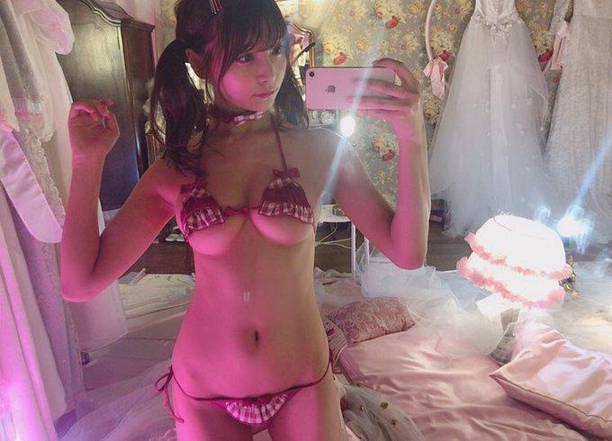 グラビアアイドル似鳥沙也加のTwitter自撮りエロ画像11